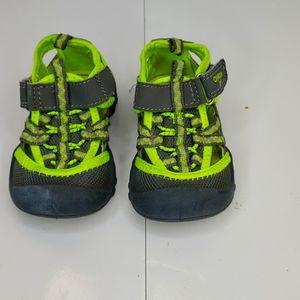 Oshkosh Hax Closed Toe Sandal grey/lime size 6